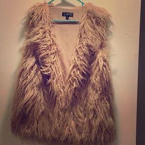 Mossimo blush furry vest